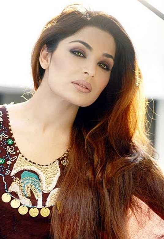 Does Khan pakistan xxx