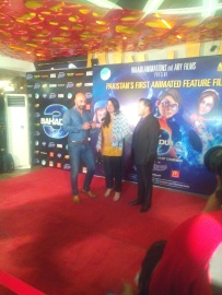 HSY, Sharmeen and Jeerjes on the red carpet of 3 Bahadur premiere in Lahore.